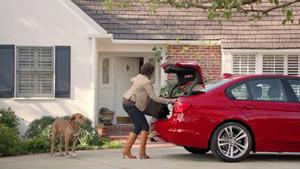 BMW recicla anúncios antigos para promover carros em segunda mão